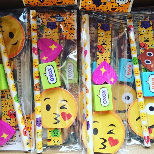 regalo niños evento emoji