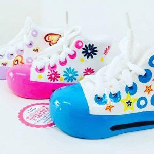 regalo invitados huchas zapatillas
