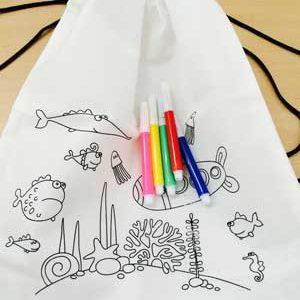 detalle niños mochila colorear
